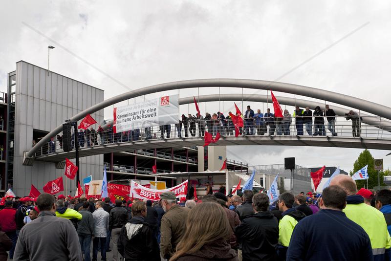 Warnstreik der IG Metall in Sindelfingen