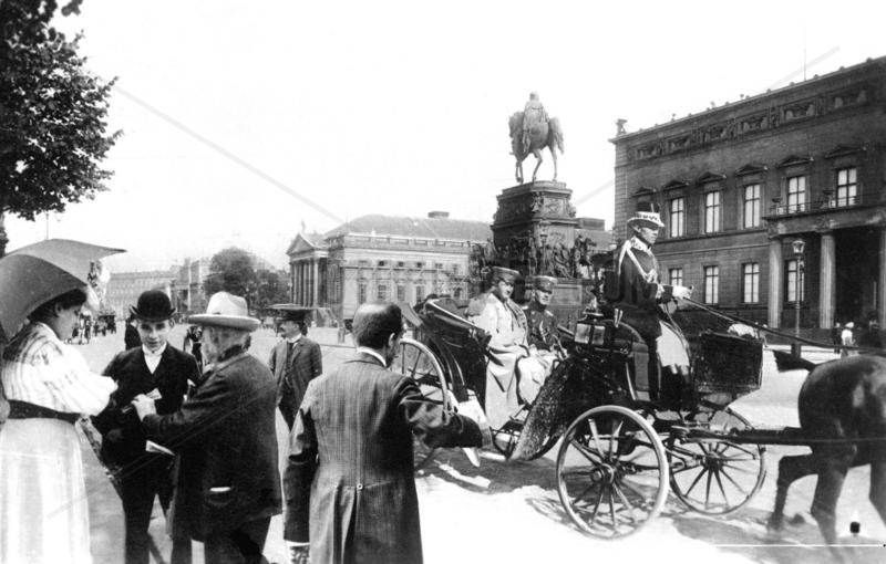Berlin,  Unter den Linden ca. 1920