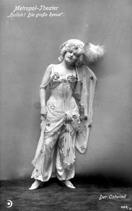 Frau Orient Kleidung