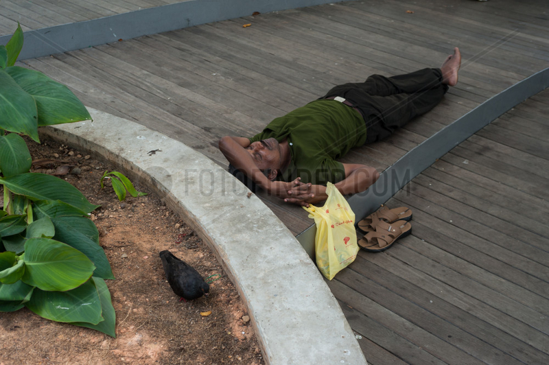 Singapur,  Republik Singapur,  Mittagsschlaf am Rochor-Kanal