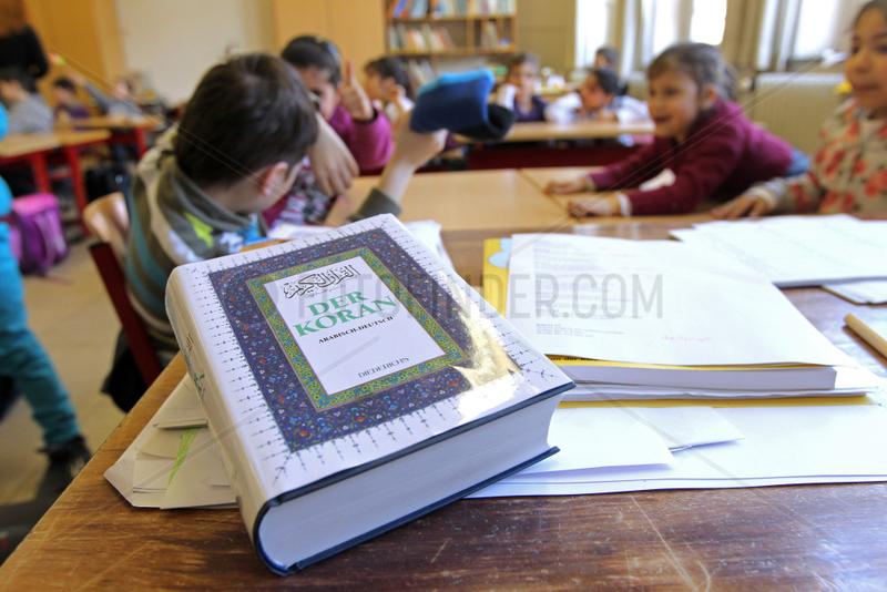 Flensburg,  Deutschland,  die Grundschule Ramsharde Flensburg bietet Islam-Unterricht an