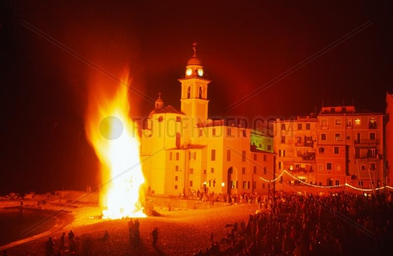 Italien,  Ligurien,  Camogli,  Fischfest,  Feuer am Strand