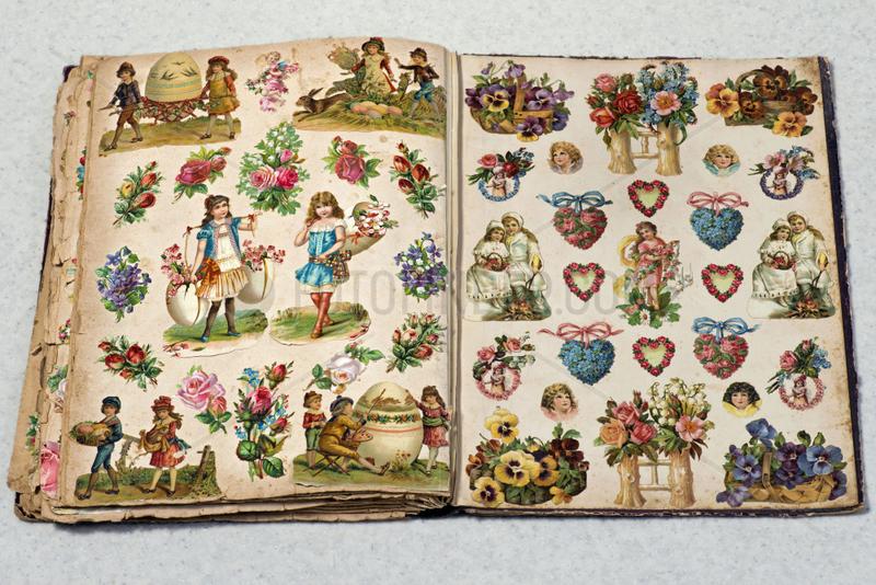 altes Poesiealbum mit Oblaten,  1893