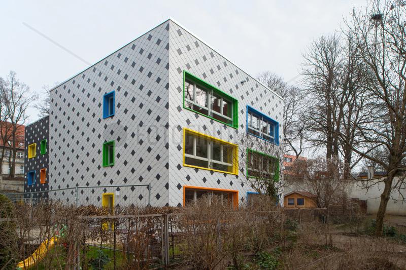 Berlin,  Deutschland,  saniertes Gebaeude einer Kita