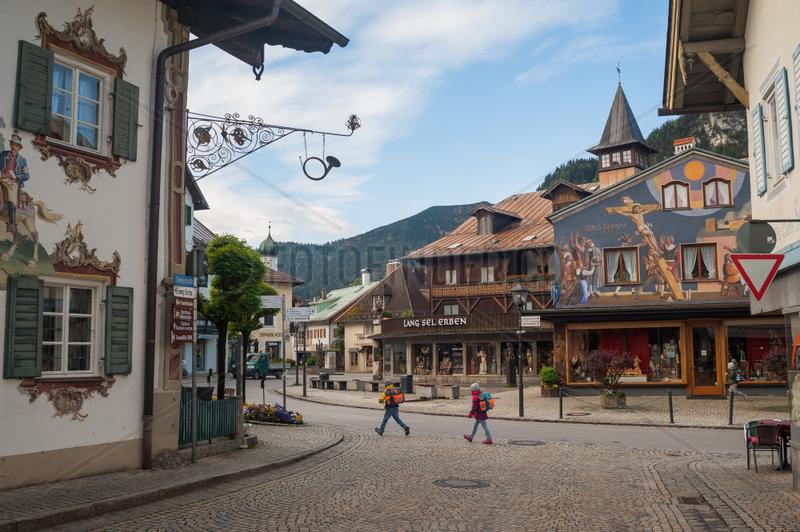 Oberammerga,  Deutschland,  Haeuser mit Lueftlmalerei