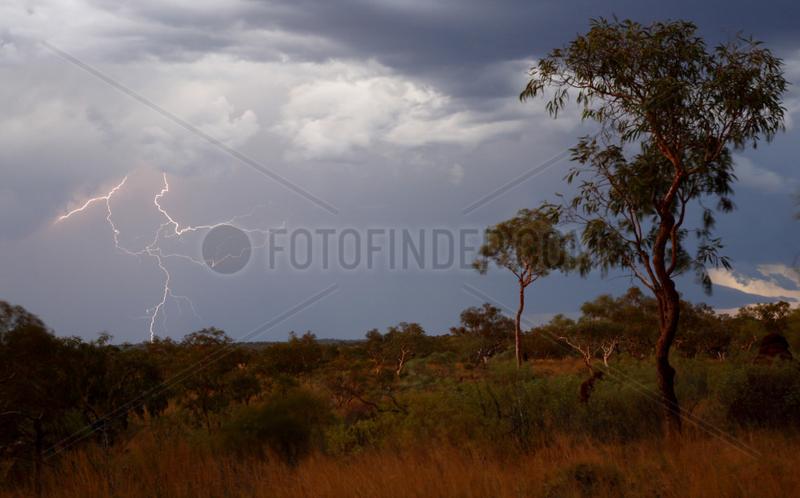 Tom Price,  Australien,  Waermegewitter und Blitze im Karijini Nationalpark