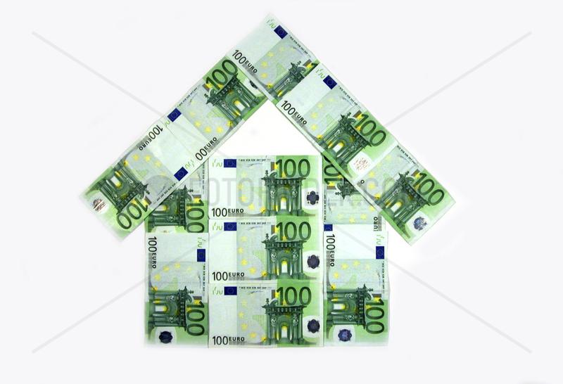 100 Euroscheine als Haus