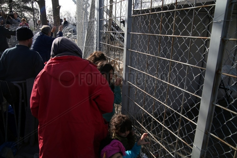 Fluechtlinge an der Grenze Griechenland-Mazedonien