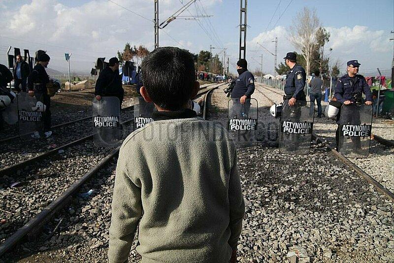 Fluechtlingsjunge in Griechenland