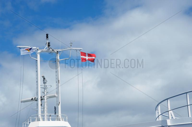 Puttgarden,  Deutschland,  Flagge Daenemarks an einer Scandlines Faehre