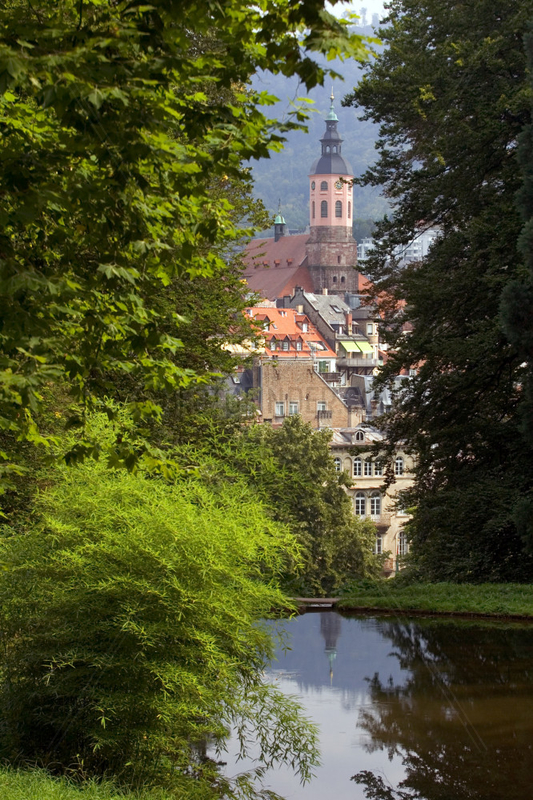 Baden-Baden,  Blick vom Michaelsberg ueber den Solmssee auf die Altstadt mit Stiftskirche