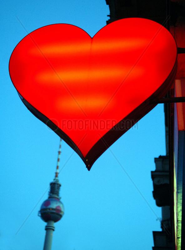 Berlin,  Erotikshop und Fernsehturm