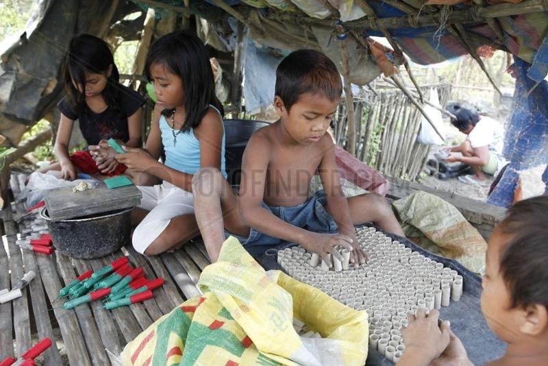 Kinderarbeit in Feuerwerksfabriken