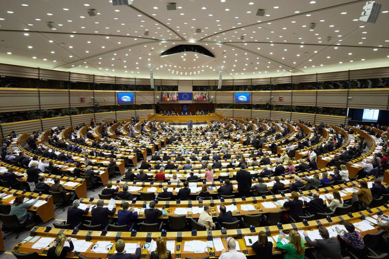 Bruessel,  Region Bruessel-Hauptstadt,  Belgien - Sitzungssaal des Europaparlaments mit Abgeordneten.