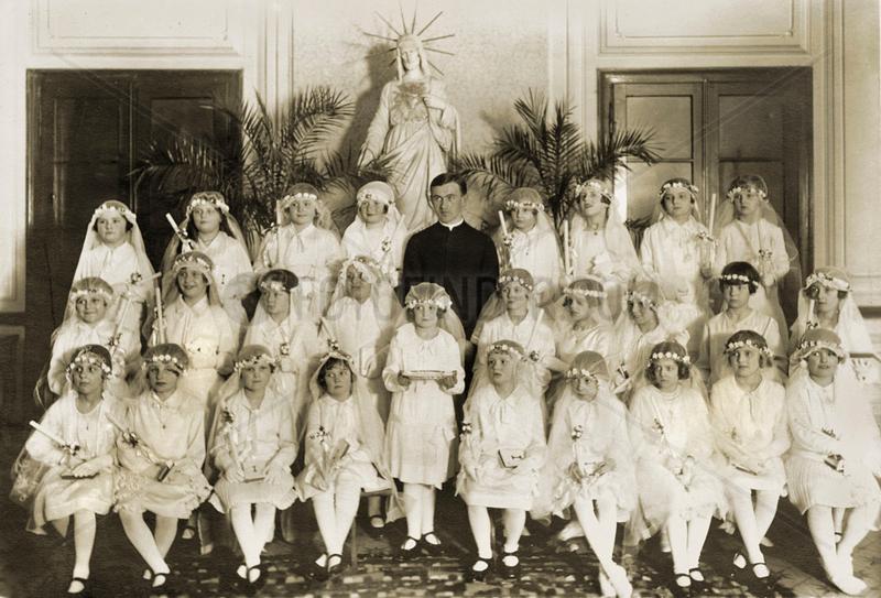 Erstkommunionkinder,  Gruppenbild,  um 1923