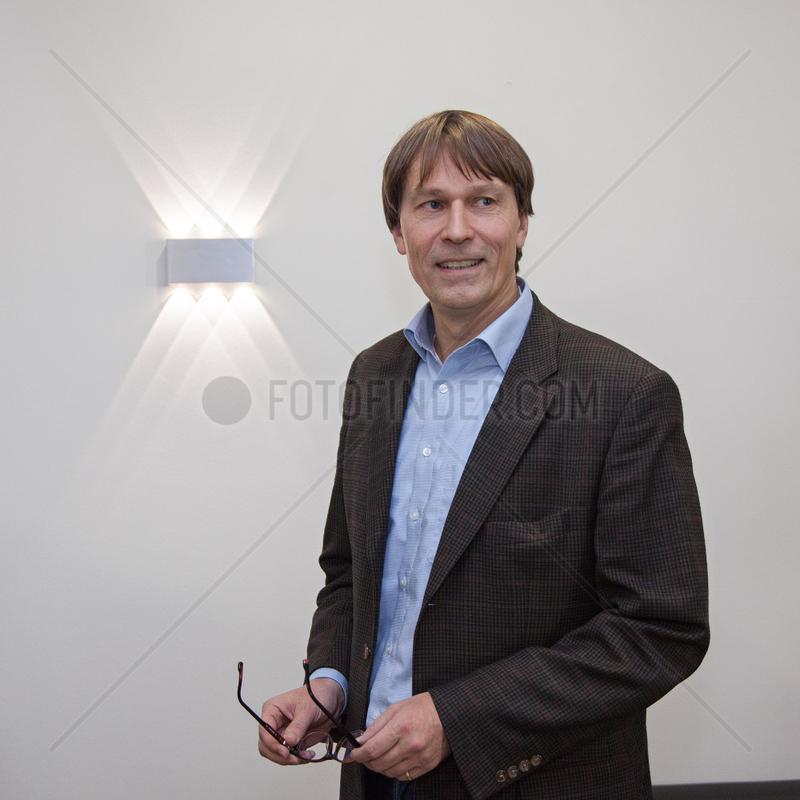 PFUHL,  Joerg - Portrait of the manager