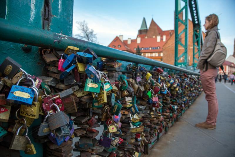 Breslau,  Polen,  Liebesschloesser an der Tumski-Bruecke