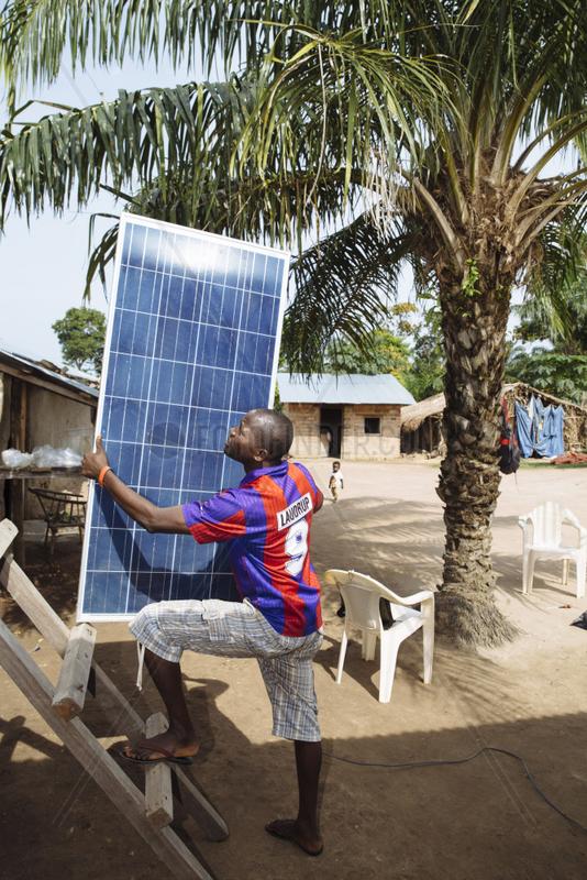 Installation von Solarzellen