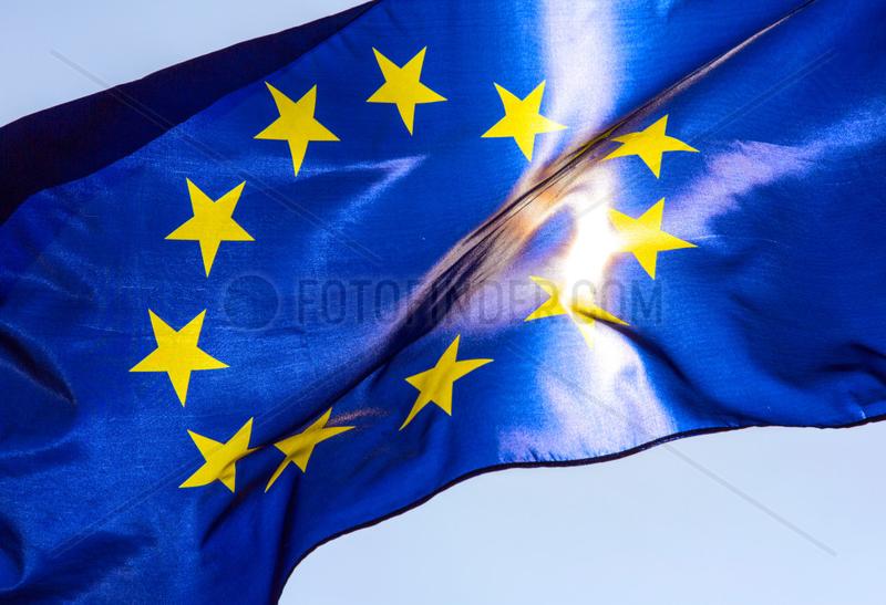 Berlin,  Deutschland,  Europaflagge weht im Wind