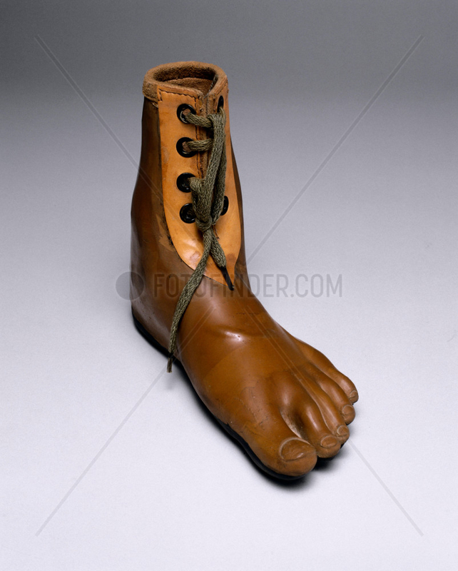 Jaipur artificial foot,  1982.