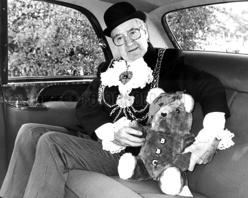 The Lord Mayor of Leeds and Pudsey the Bear,  November 1985.