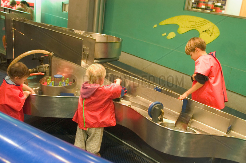 Children playing in The Water Zone,  Science Museum,  London,  2007.