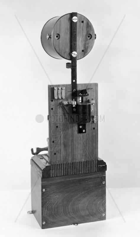 Sykes Lock-and-Block train signalling instrument,  c. 1897.