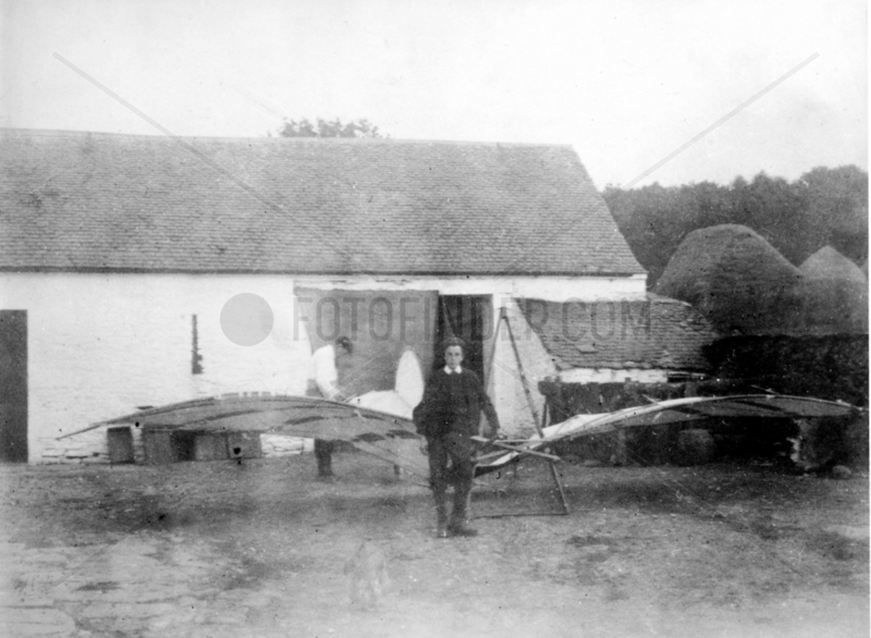 Percy Sinclair Pilcher with a modified version of the BAT,  c 1895.