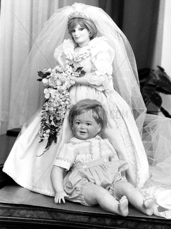 Princess Diana and Prince William dolls,  January 1984.