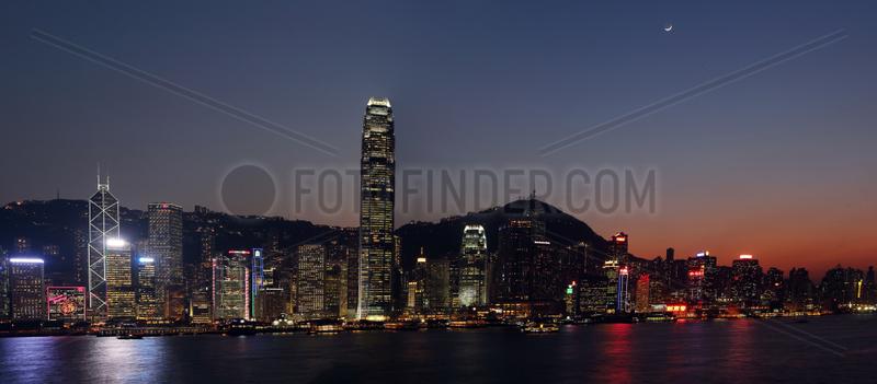 Hong Kong,  China,  Blick auf Hong Kong Island bei Nacht