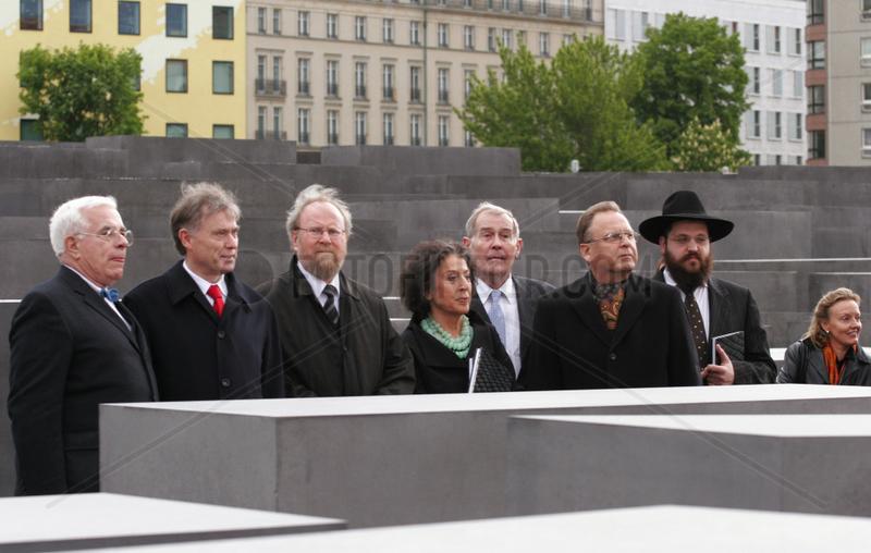 Berlin,  Eroeffnung des Denkmals fuer die ermordeten Juden in Europa