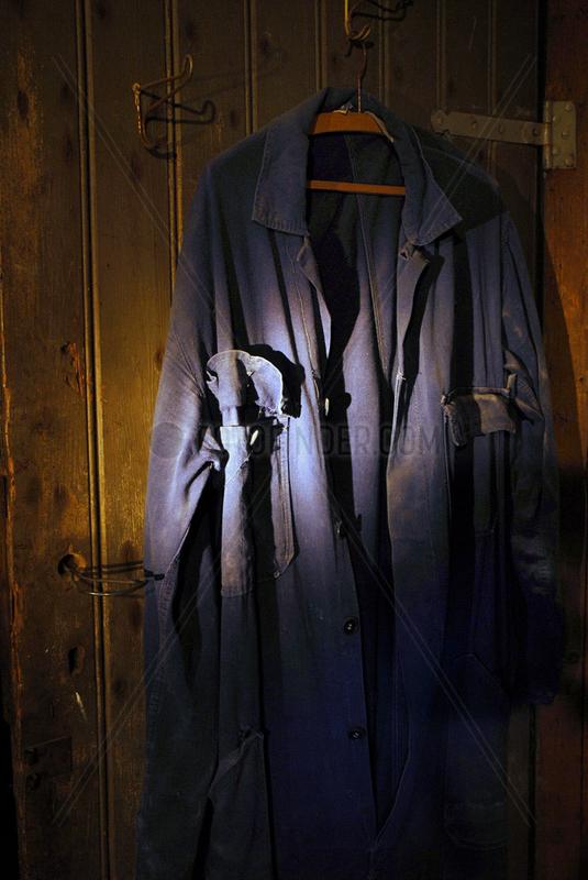 Blaumann im Keller