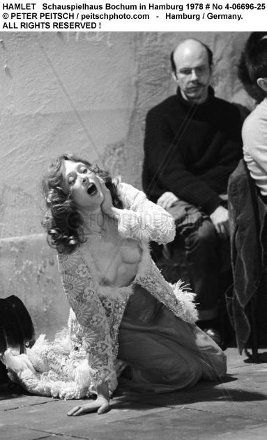 HAMLET - Szenenfoto mit Ilse Ritter