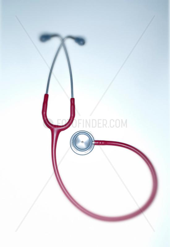 Akustik; Diagnose; Gesundheit; Instrument; Krankheit; Medizin; Produkt; Technik; Untersuchung; aerztliches Instrument; Stethoskop; Arzt; Diagnose; untersuchen; hoeren; abhoeren; horchen; lauschen; Schall; Symbol; Symbolbild; Symbolfoto; Medizin; Medizinte