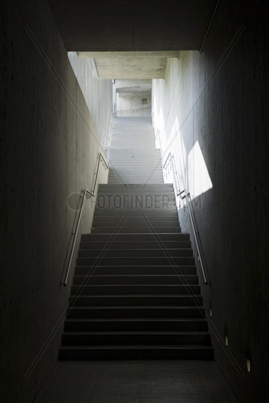 Post Tower - Treppe in die Tiefgarage