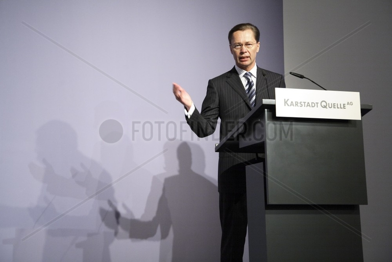 Dr. Thomas Middelhoff,  Vorstandsvorsitzender KarstadtQuelle AG