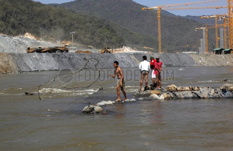 Construction of the Xayaburi Dam on the Mekong Laos