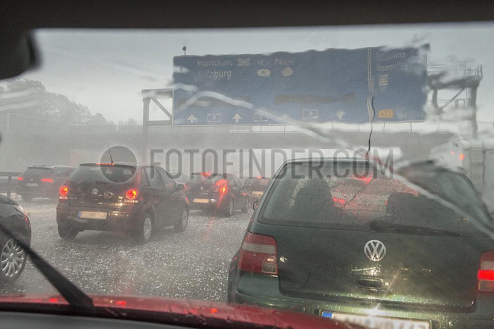 Hagel,  Gewitter,  Starkregen,  Unwetter auf der Autobahn, WMW27881.jpg