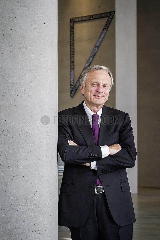 Dr. Werner Brandt,  Aufsichtsratsvorsitzender RWE AG und innogy SE,  ProSiebenSat.1 Media SE,  Aufsichtsratsmitglied bei Deutsche Lufthansa AG,  OSRAM Licht AG