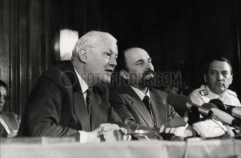 28. Mai 1990,  Strausberg,  Aufloesung der NVA