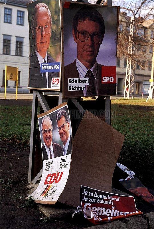 Oktober 1990,  Weimar,  Thueringer Landtagswahl