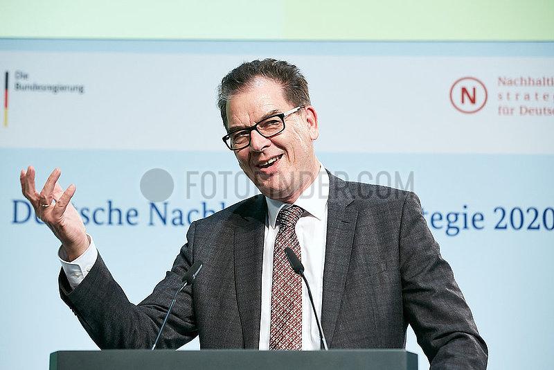 Berlin,  Deutschland - Dr. Gerd Mueller,  Bundesminister fuer wirtschaftliche Zusammenarbeit und Entwicklung.
