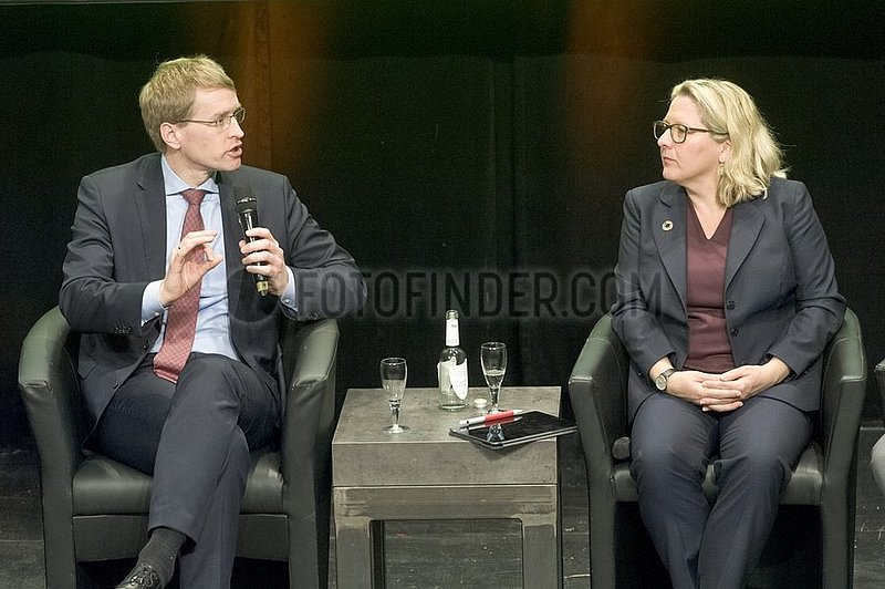 Daniel Gu¨nther,  Svenja Schulze