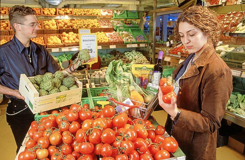 erster Muenchener Bio-Supermarkt von Basic,  2001