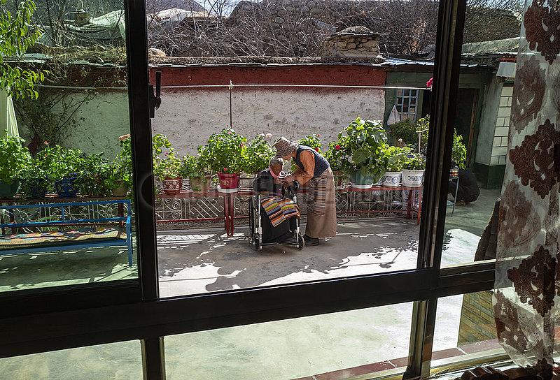 (InTibet) CHINA-TIBET-SONAM Drölma-OLD AGE-BETTER LEBENS (CN)