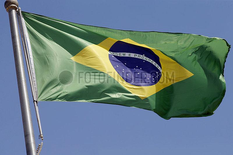 Berlin,  Deutschland,  Nationalfahne von Brasilien
