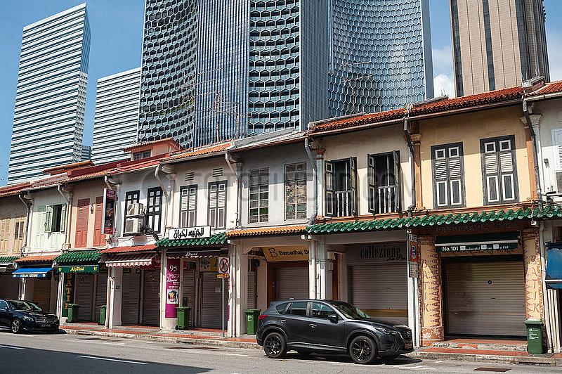 Singapur,  Republik Singapur,  Traditionelle Shophouses und moderne Hochhaeuser im muslimischen Viertel