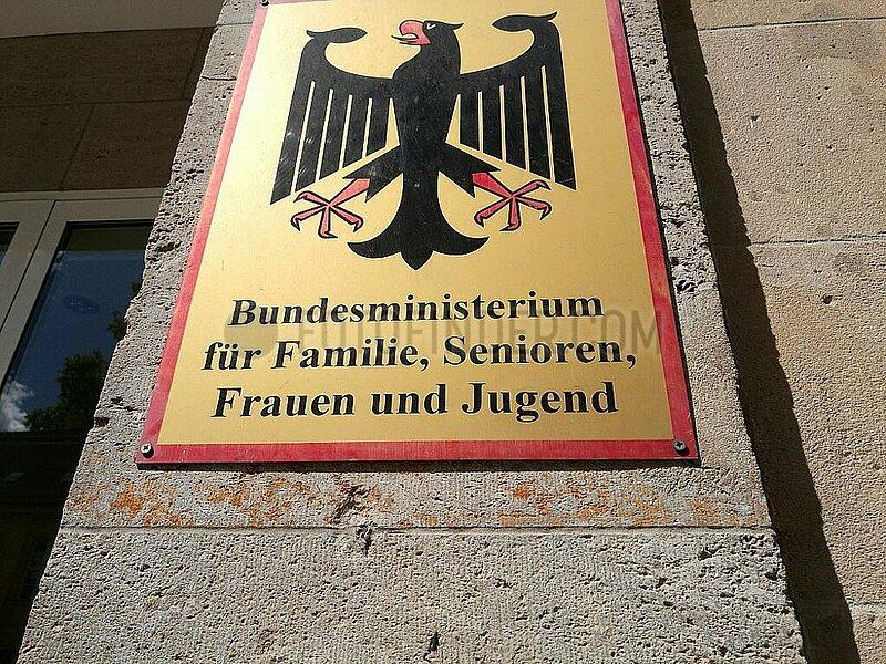 Bundesministerium fuer Familie,  Senioren,  Frauen und Jugend