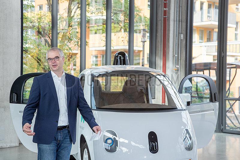 Neuzugang im Verkehrszentrum des Deutschen Museums: Waymo Firefly,  eines der ersten autonomen Fahrzeuge