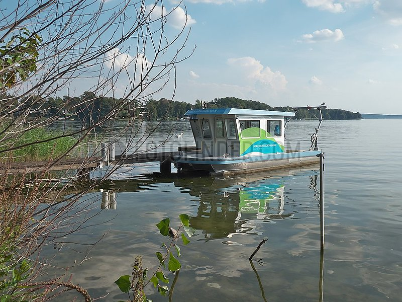 Gew‰sserschutz,  Forschungskatamaran der BTU in Bad Saarow   water protection,  research catamaran of the BTU in Bad Saarow